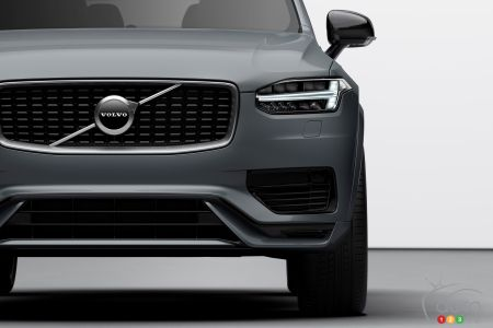 2020 Volvo XC90, from the front