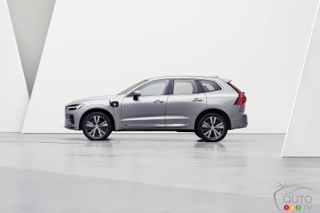 2022 Volvo XC60, profile