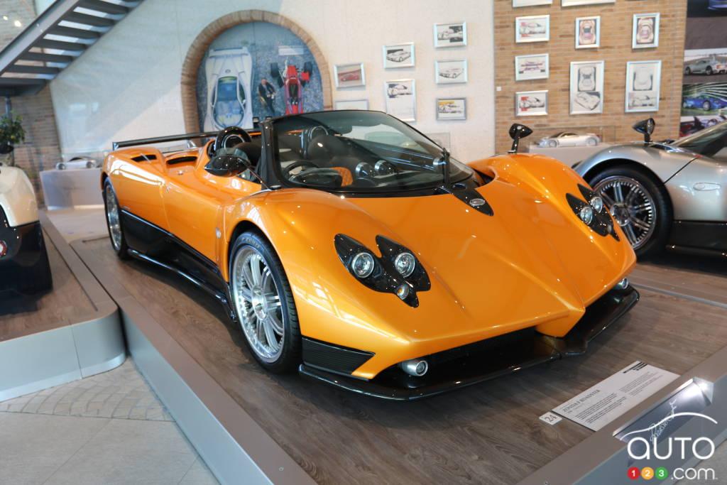 La Pagani Zonda F Roadster (2006) dépourvue de toit.