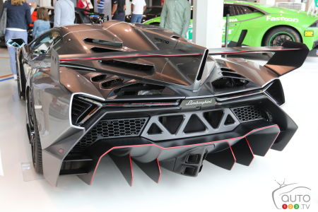 The rear section of the Lamborghini Veneno (2013).