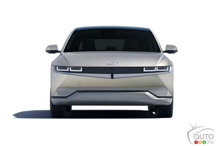 2022 Hyundai Ioniq 5, front