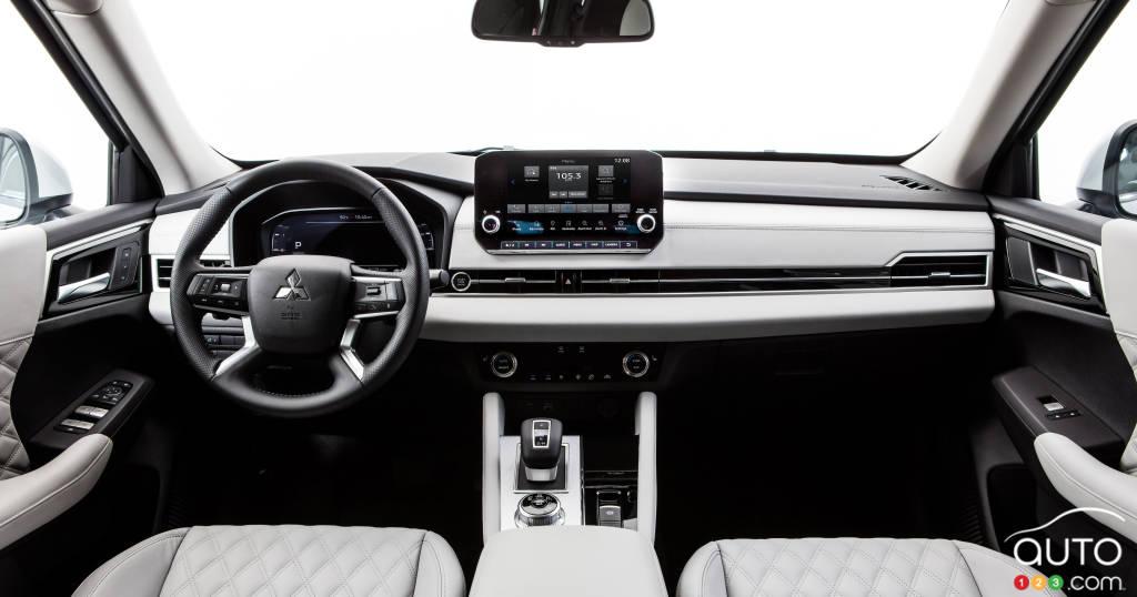 Mitsubishi Outlander PHEV, intérieur