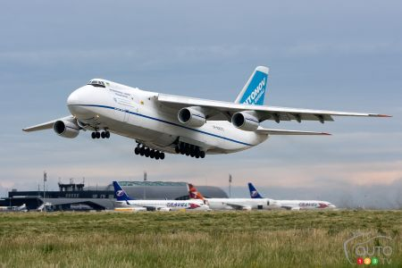 Avion Antonov An-124