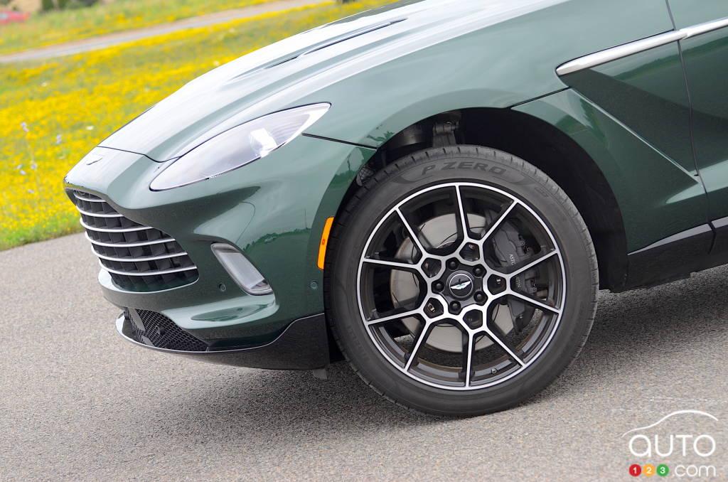Aston Martin DBX 2021, calandre