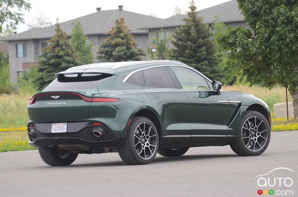 Aston Martin DBX 2021, trois quarts arrière
