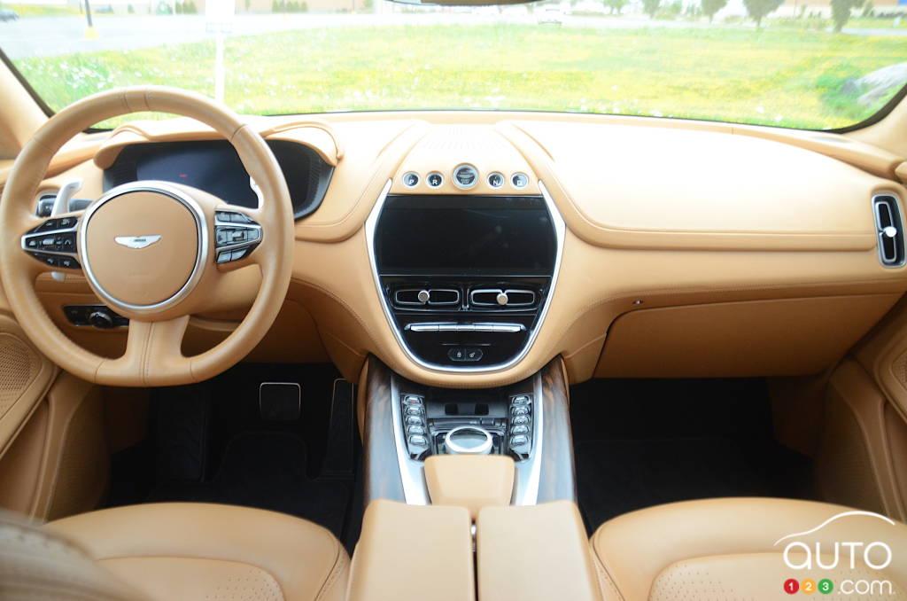 Aston Martin DBX 2021, intérieur