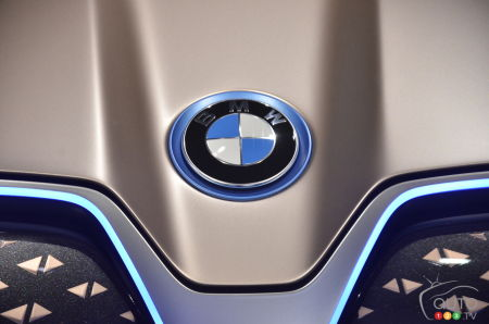 BMW logo on the Vision iNext concept
