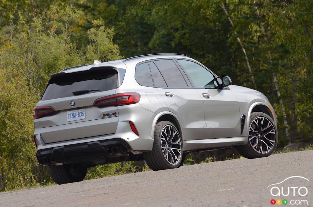 BMW X5 M 2020, trois quarts arrière