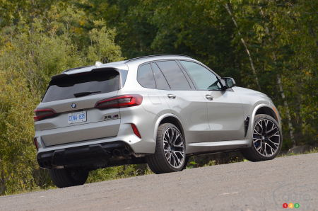2020 BMW X5 M, three-quarters rear