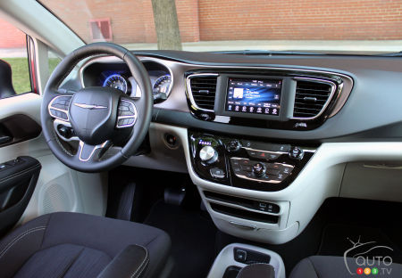 2021 Chrysler Grand Caravan, interior
