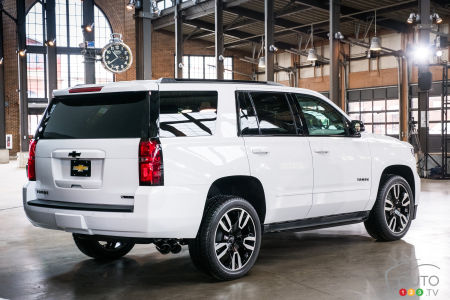 2020 Chevrolet Tahoe RST, three-quarters rear
