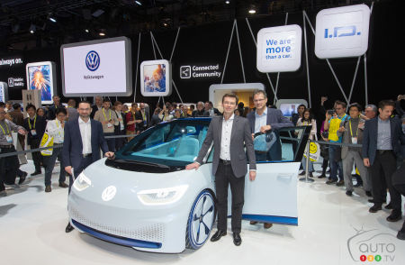 Volkswagen Wont Be At Paris Auto Show Car News Auto - Vw car show las vegas