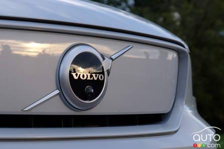 Volvo XC40 Recharge, front