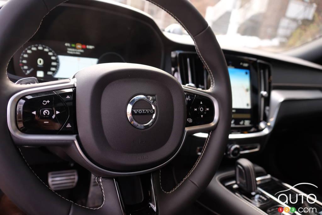 Volvo S60 2020, volant