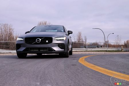 2020 Volvo S60 T8, front