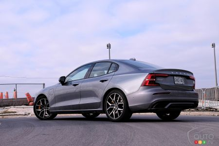 2020 Volvo S60 T8, three-quarters rear