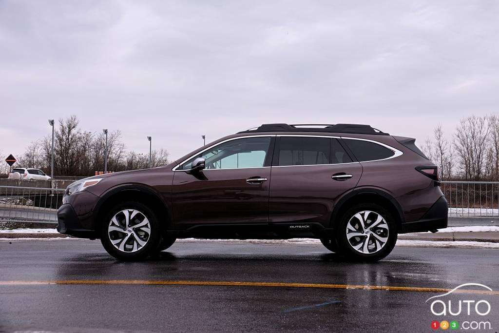 Subaru Outback 2020, profil