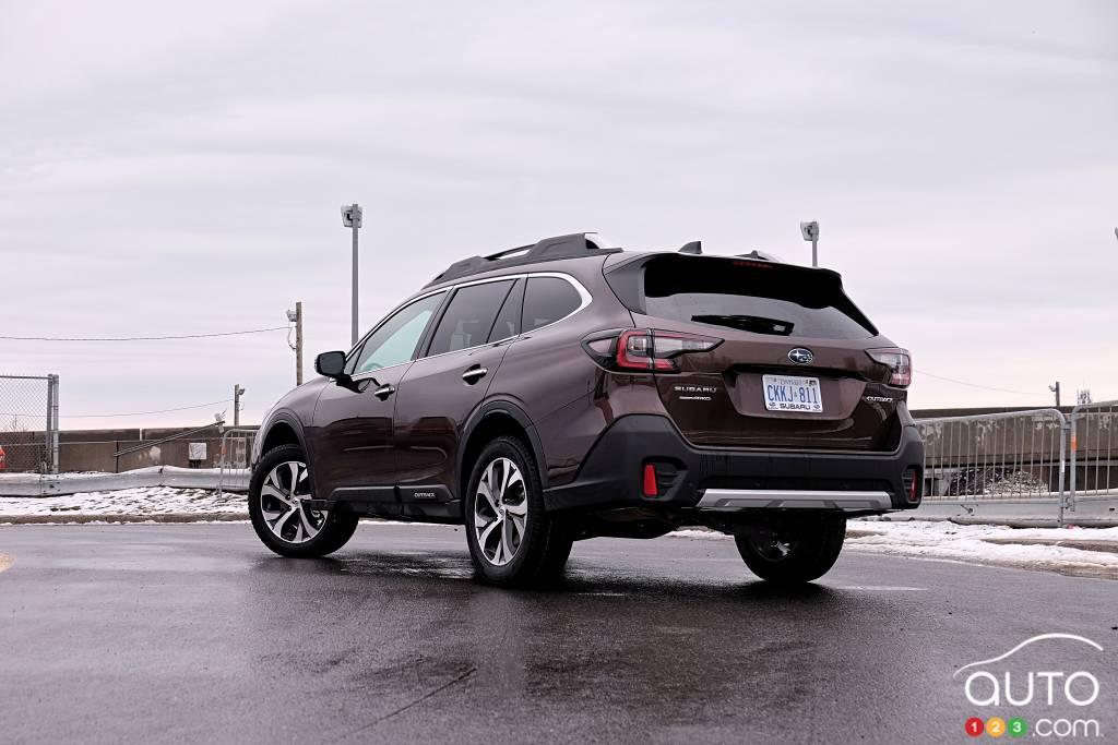 Subaru Outback 2020, trois quarts arrière