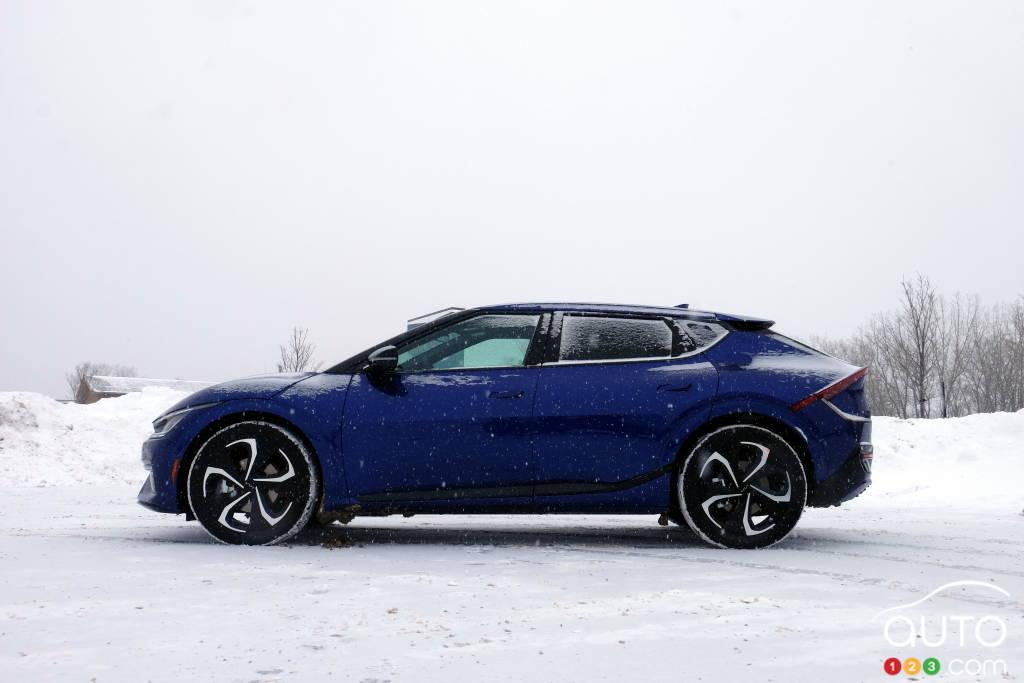 Ford Mustang Mach-E 2021, avant
