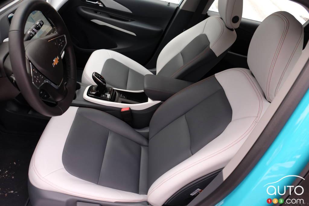 Chevrolet Bolt 2020, sièges première rangée