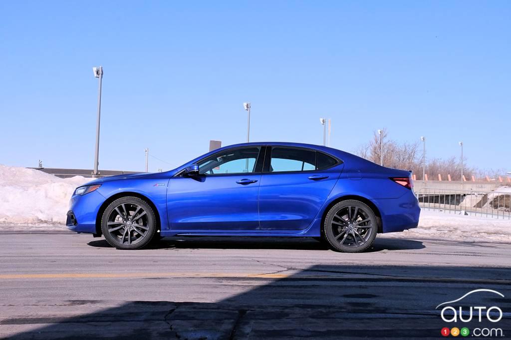 Acura TLX 2020, profil