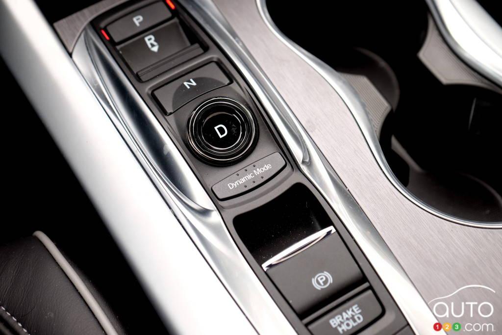Acura TLX 2020, bas de console