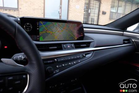 2020 Lexus ES, dashboard
