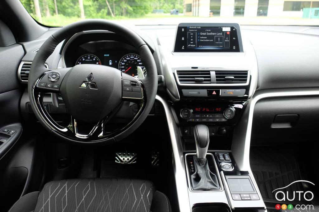 Mitsubishi Eclipse Cross 2020, intérieur