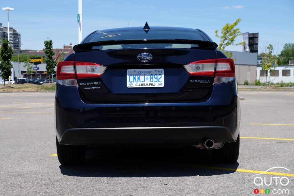 Subaru Impreza, arrière