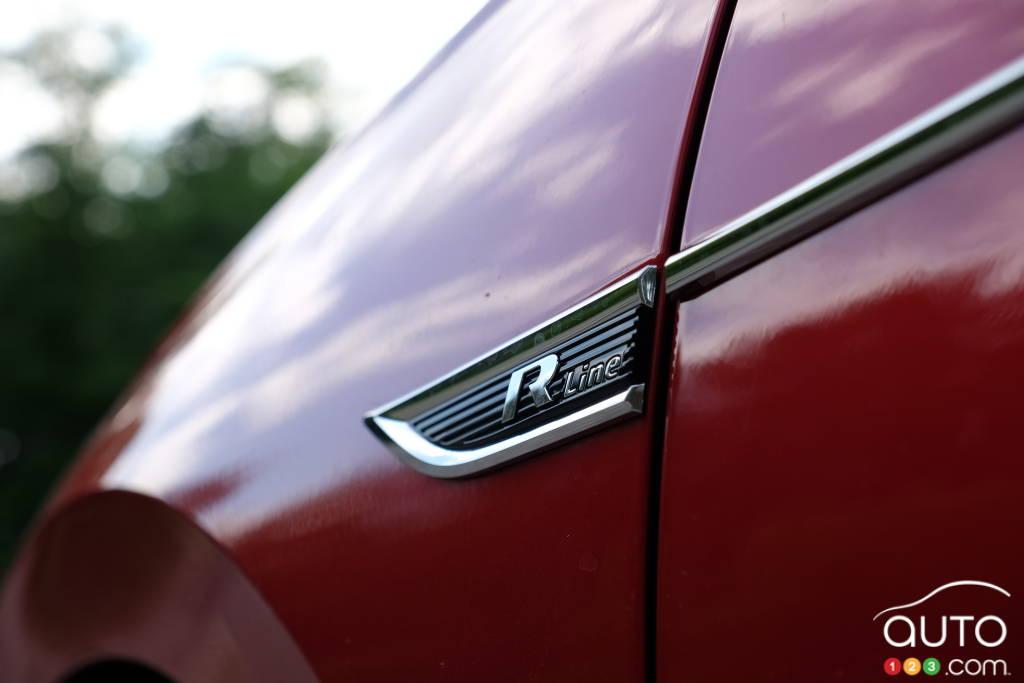 Volkswagen Passat 2020, écusson R-Line