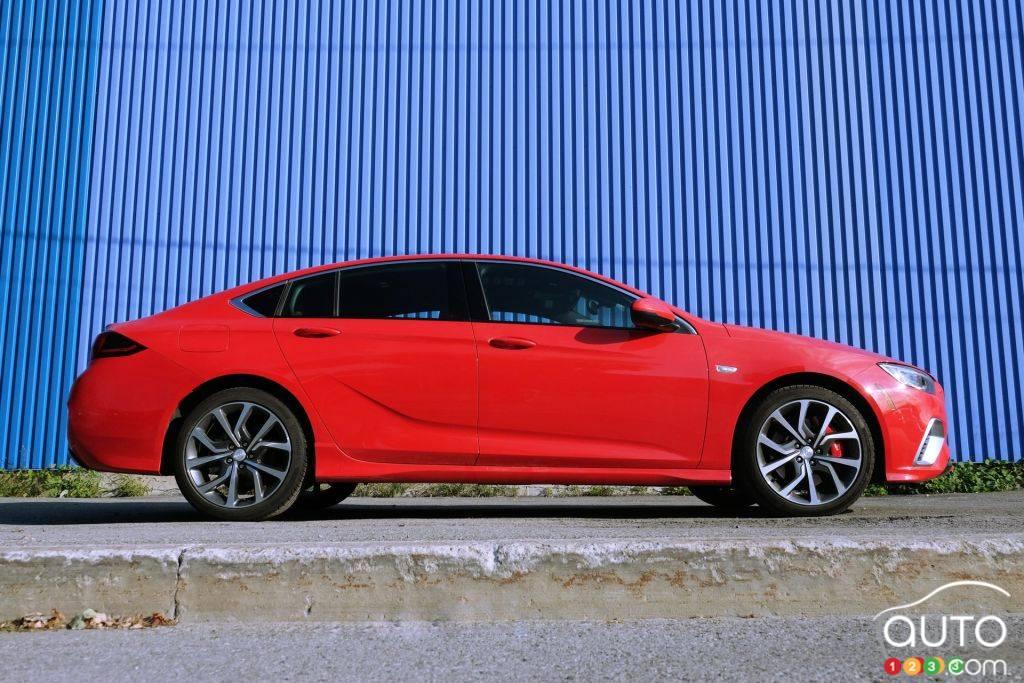 Volkswagen Passat 2020, console centrale, tableau de bord