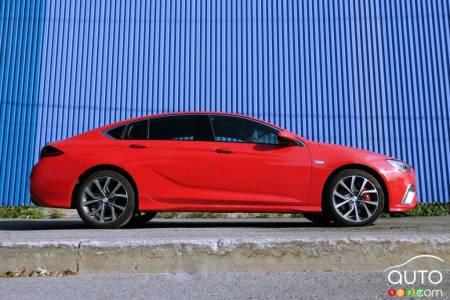 2020 Volkswagen Passat, central console, dashboard