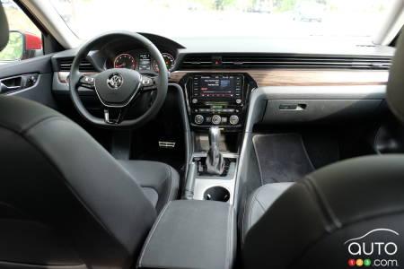 2020 Volkswagen Passat, interior