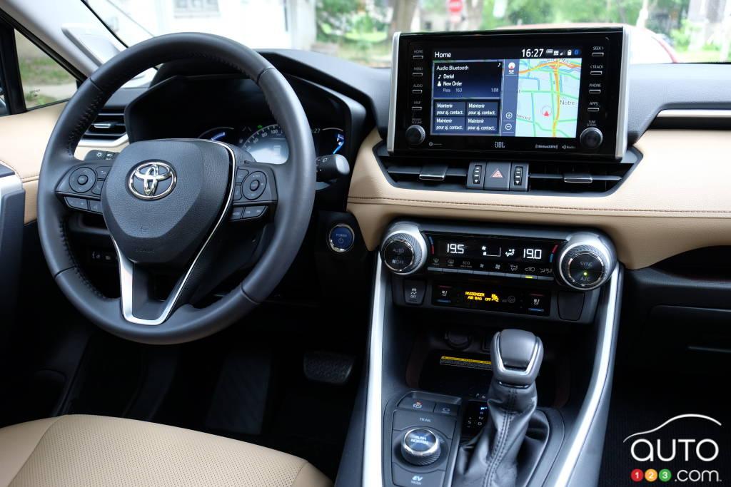 Toyota RAV4 2021, intérieur