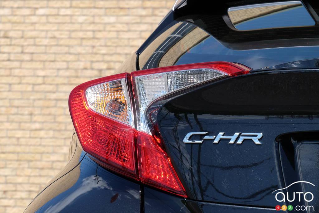 Toyota C-HR 2020, feu arrière