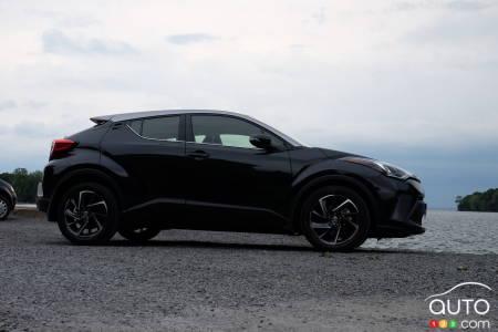 2020 Toyota C-HR, profile
