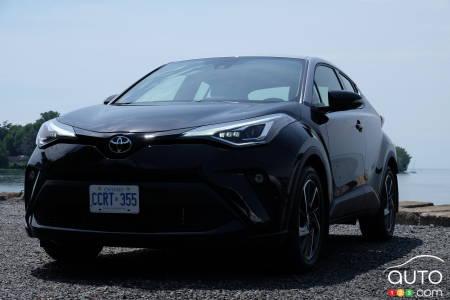 2020 Toyota C-HR, front