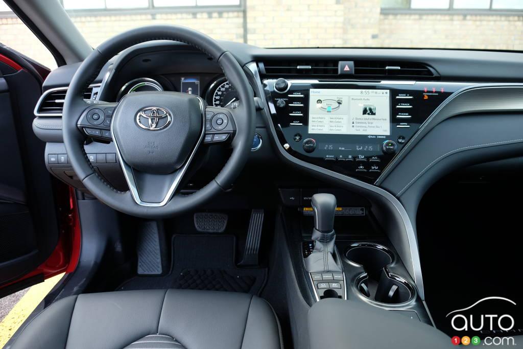 Toyota Camry hybride, tableau de bord