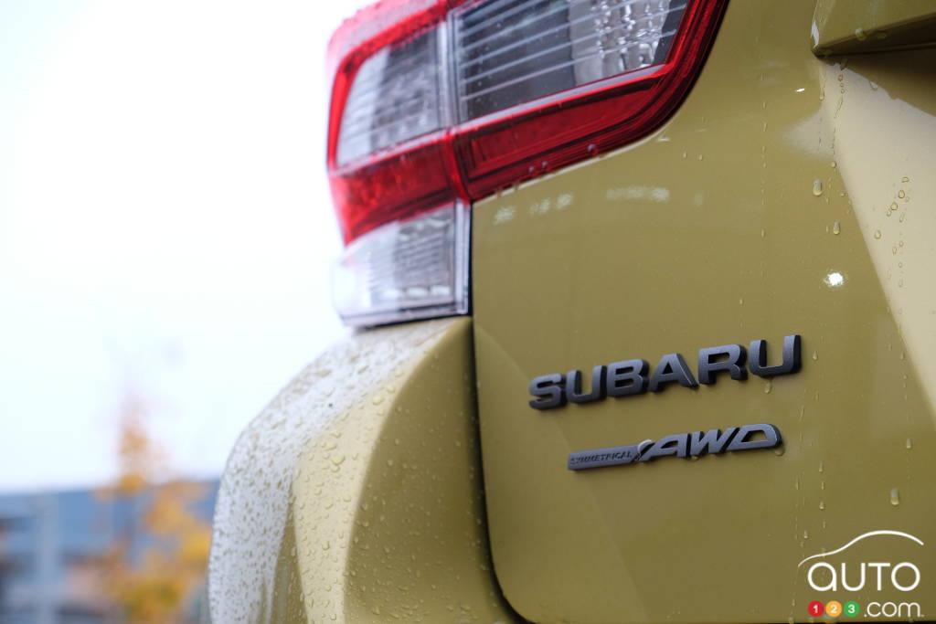 Subaru Crosstrek, nom, écusson