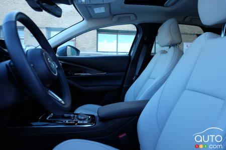 2021 Mazda CX-30, first-row seats