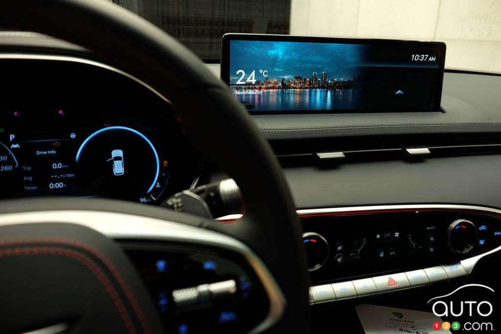 Genesis GV70 2022, écran multimédia