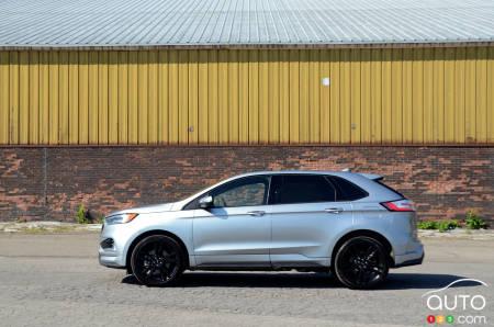 2020 Ford Edge ST, profile