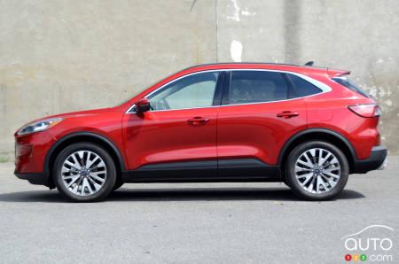 2020 Ford Escape Hybrid, profile