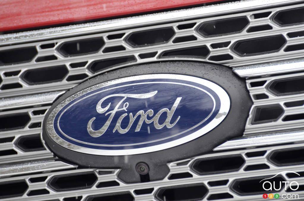 Ford Explorer hybride 2021, écusson Ford
