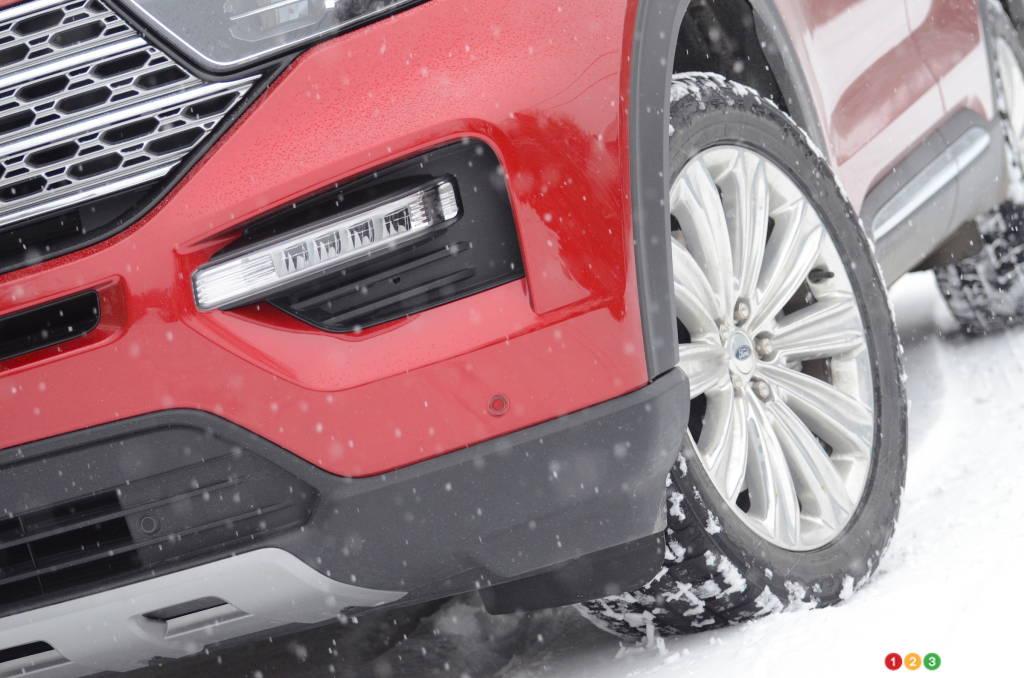 Ford Explorer hybride 2021, détail avant