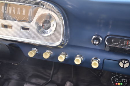 1960 Ford Falcon, console buttons