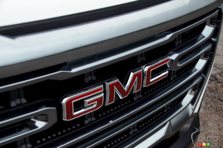 2021 GMC Canyon AT4, front grille