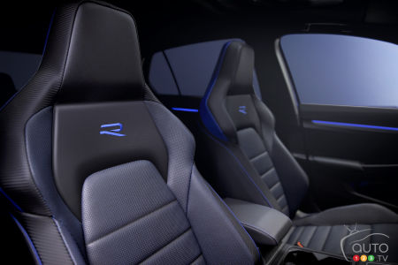2022 Volkswagen Golf R, seats