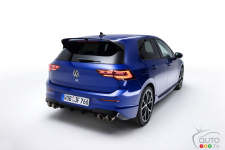 2022 Volkswagen Golf R, rear