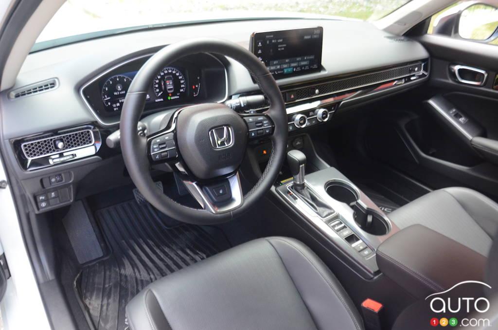 Honda Civic Touring 2022, intérieur